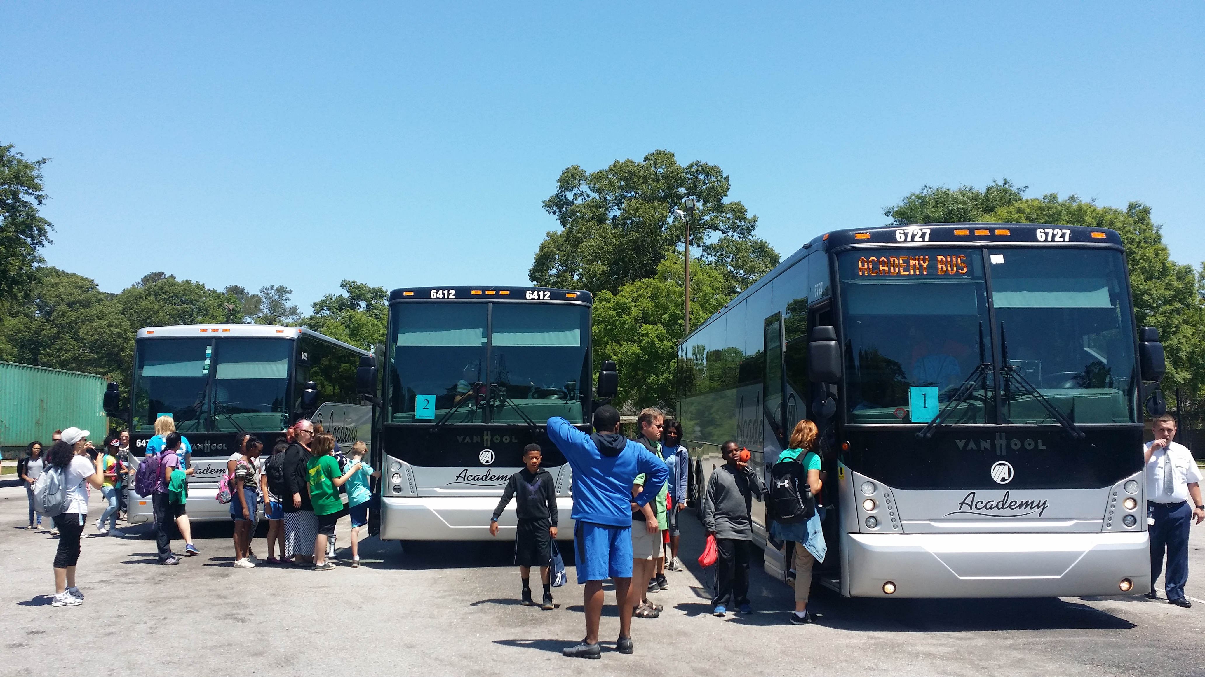 loading up the busses